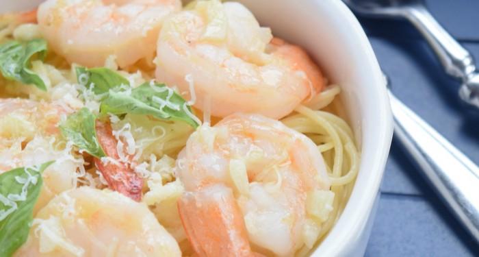 White Wine and Garlic Shrimp Pasta