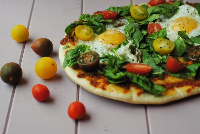 Spinach-and-Tomato-Breakfast-Flatbread-3