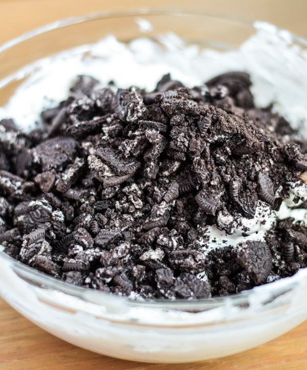 Cookies and Cream No-Churn Ice Cream-2