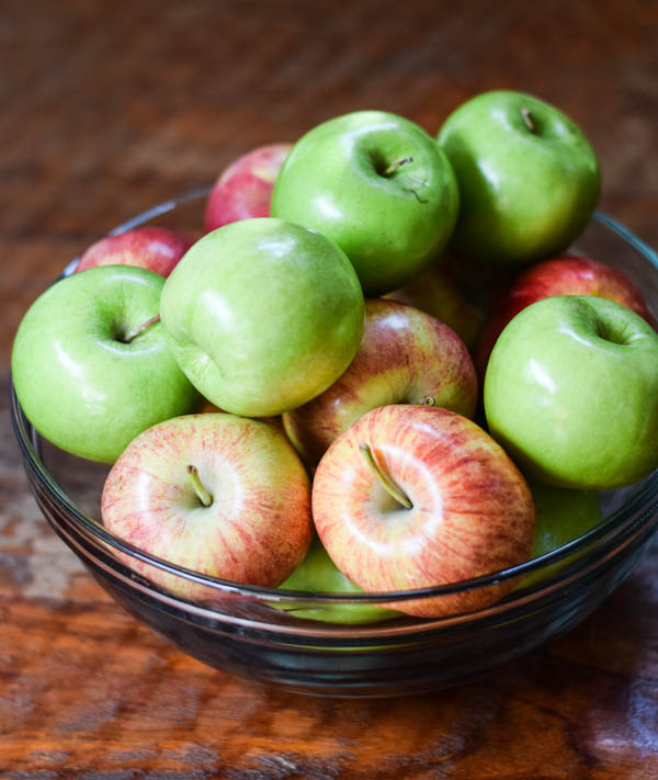 Easy Slow Cooker Homemade Apple Sauce Recipe
