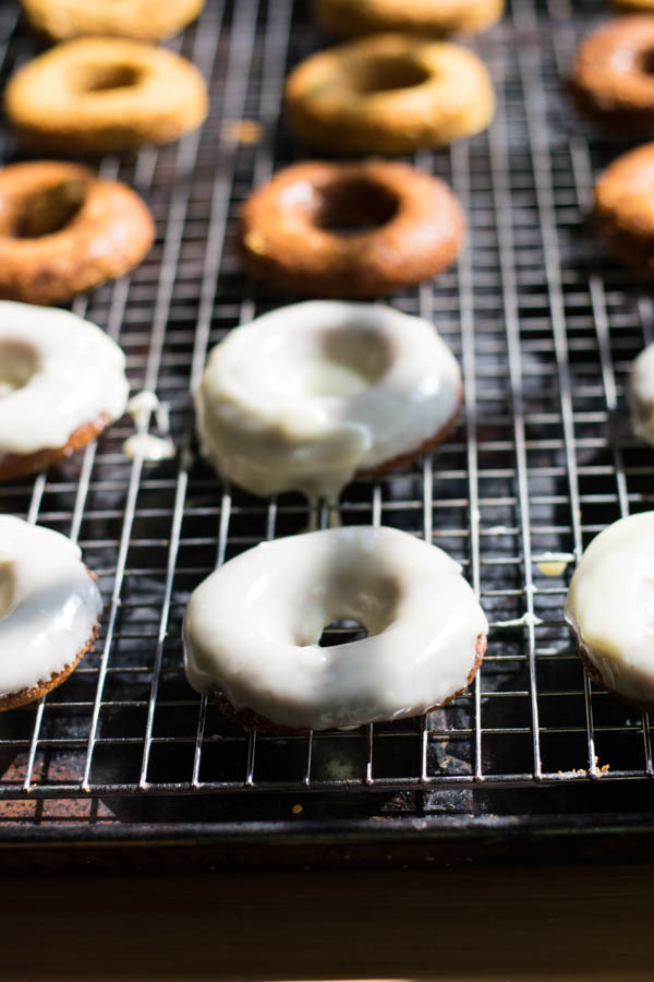 Pumpkin Spiced Baked Donuts with Whit Chocolate Ganache Recipe